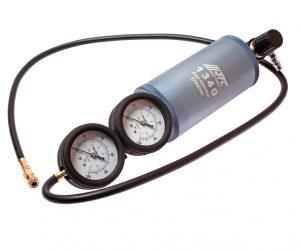 Устройство для очистки топливной системы (с двумя манометрами)