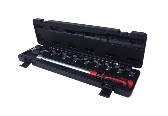 Ключ динамометрический 14х18 с набором рожковых насадок 11 пр. (13-30мм), диапазон 40-200 н/м